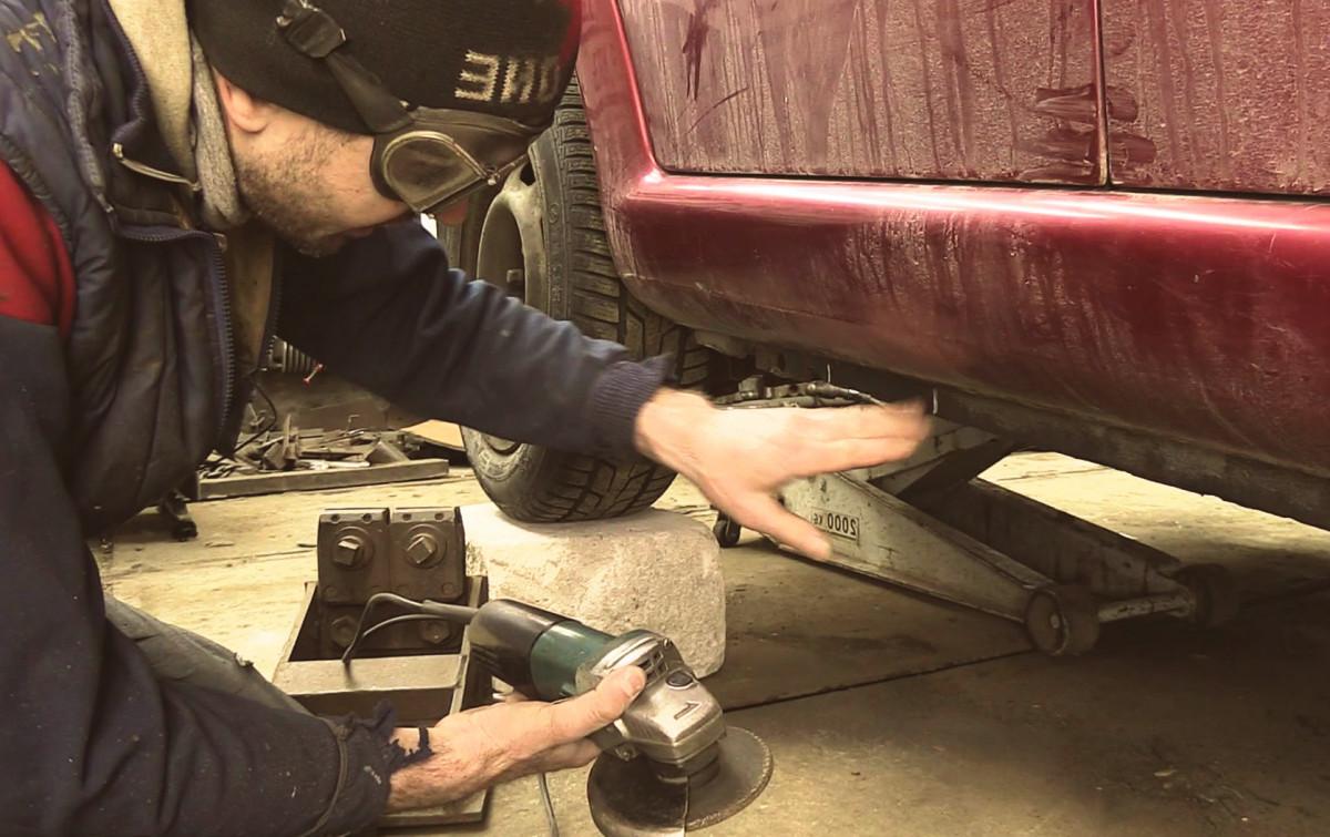 Как отремонтировать кузов автомобиля своими руками от ржавчины